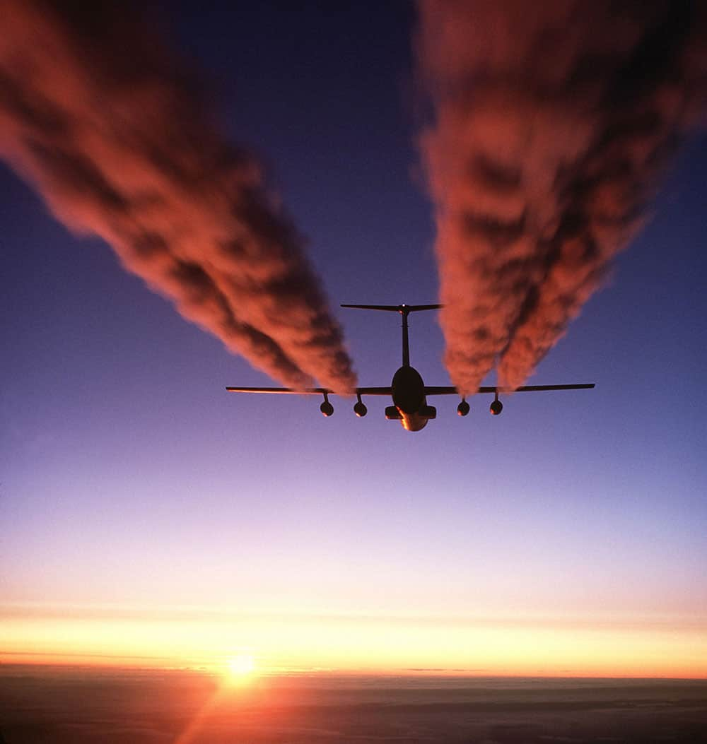 C-141 Starlifter Contrail